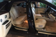 inside-rolls-royce-ghost